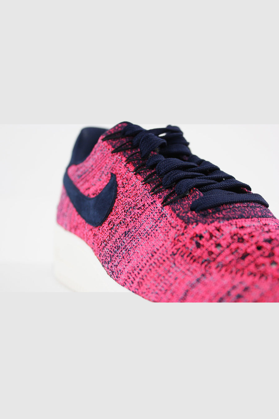 Nike - Air Force 1 Flyknit Low-COLLEGE Women (NAVY/COLLEGE NAVY-HYPER PUNCH) 820256-401