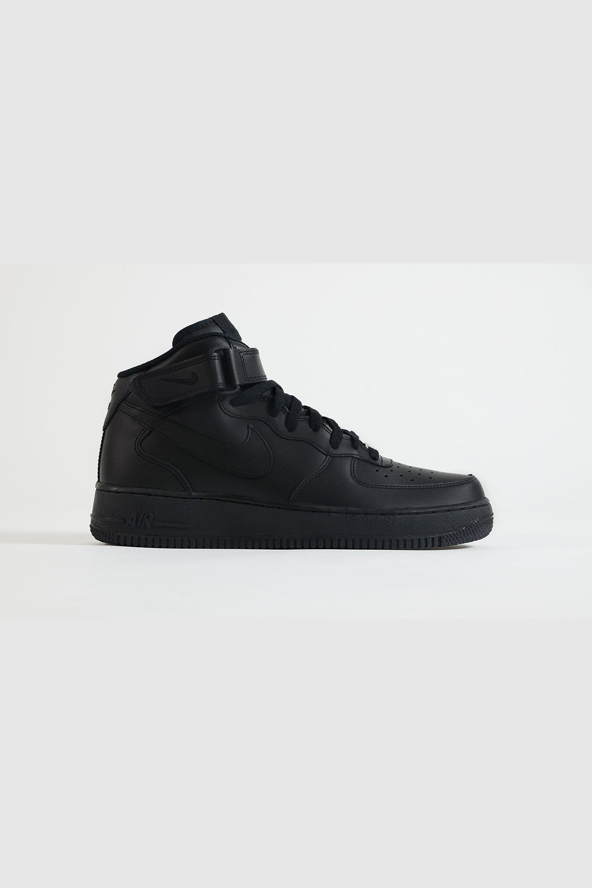 Nike - Air Force Mid Women (Black/ Black)
