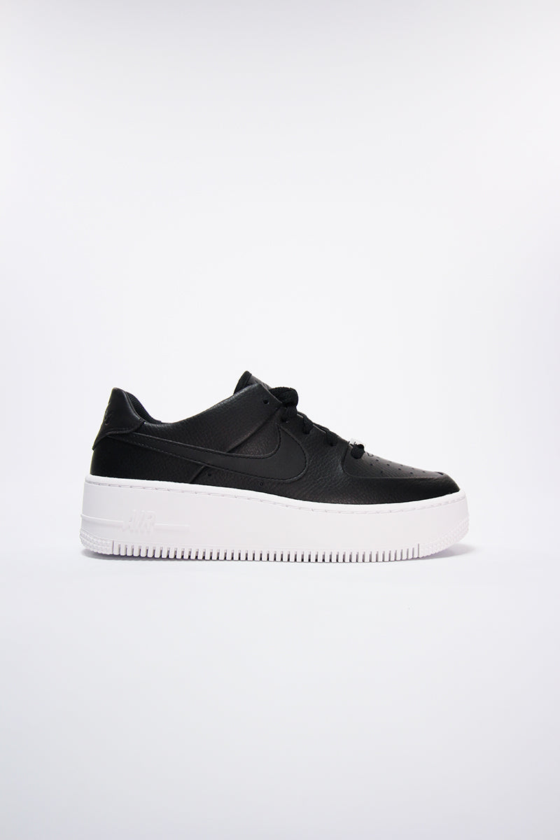 air force 1 nere suola bianca