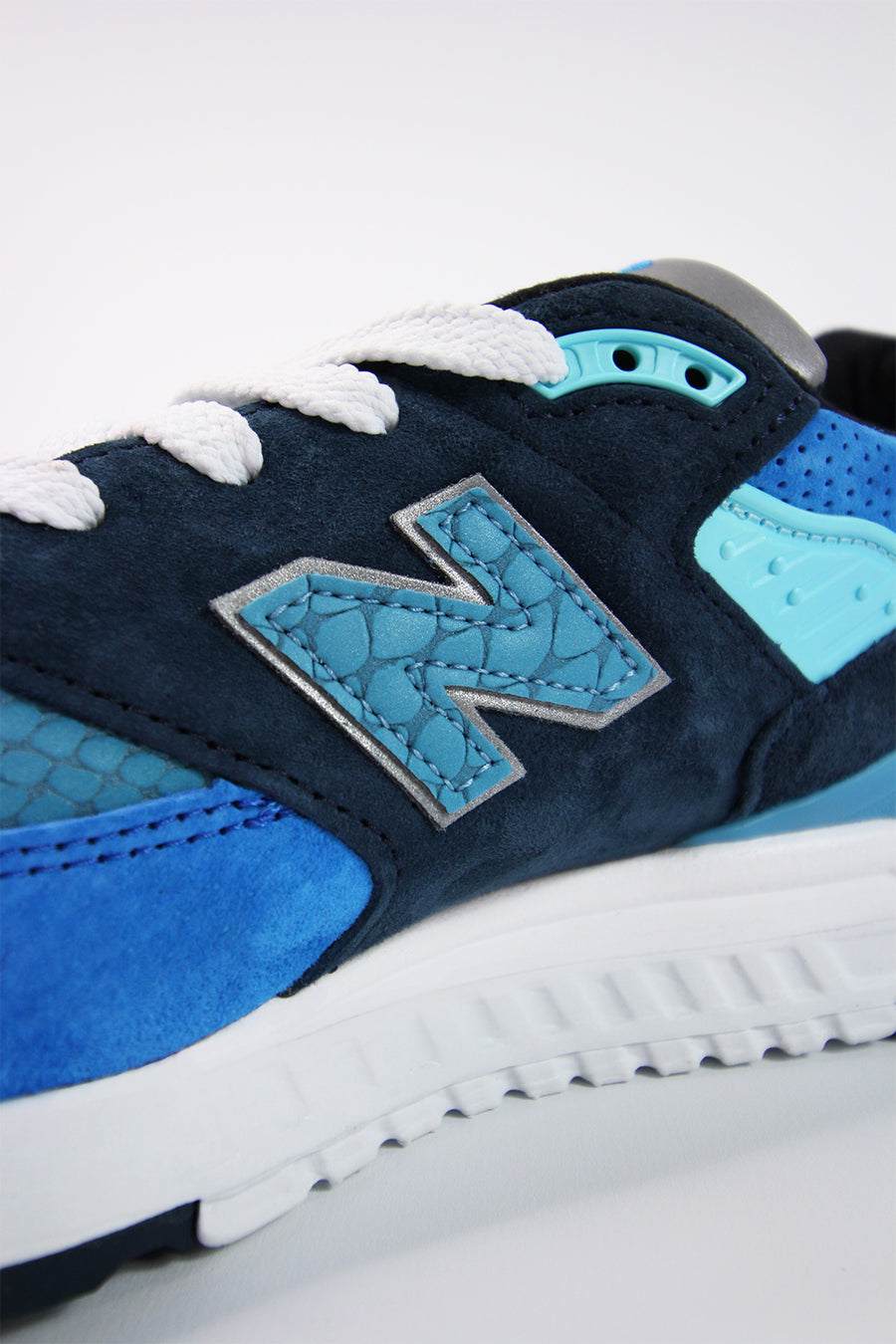 New Balance - M998NE Sneaker in Blau