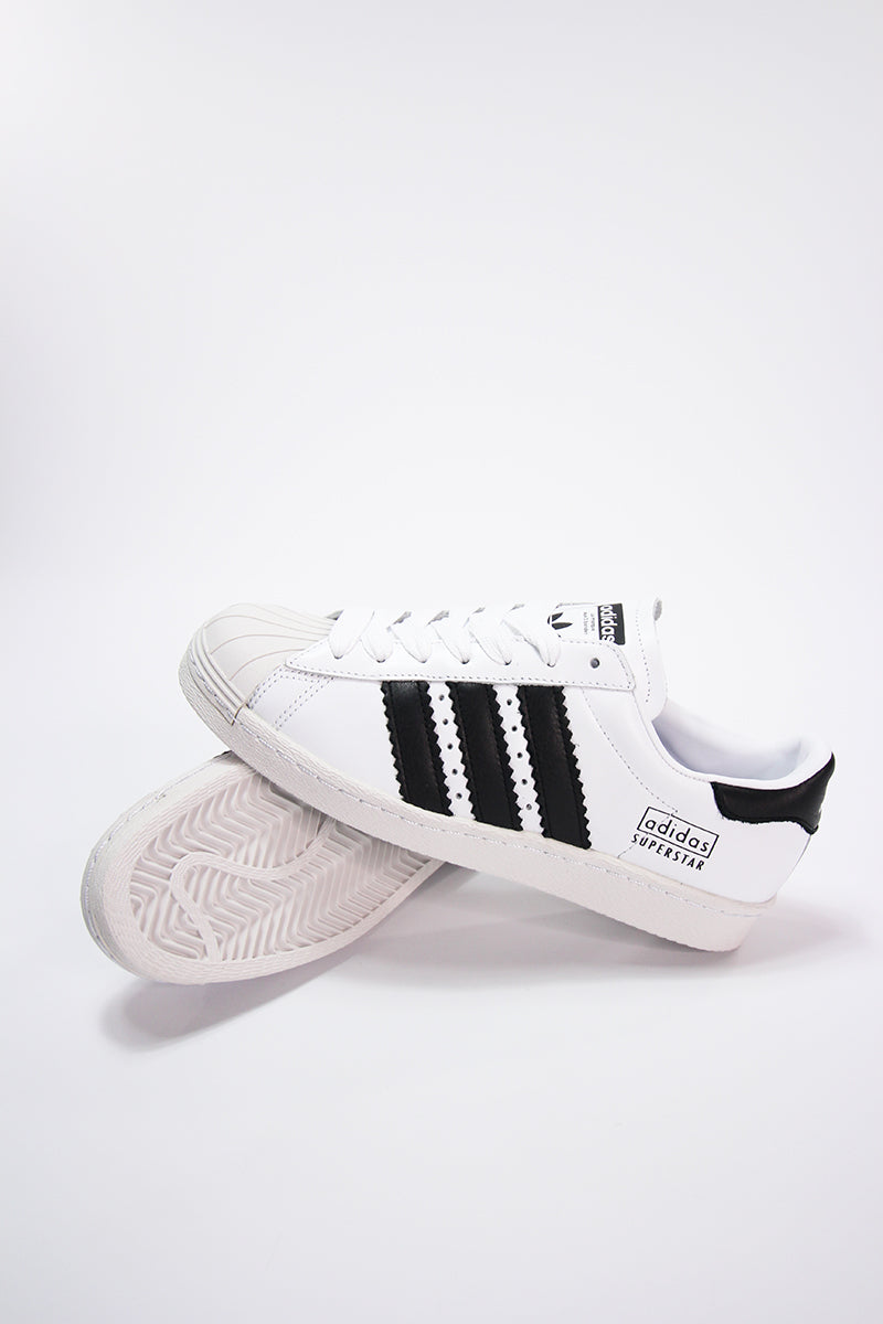 Adidas - Superstar 80er Retro Sneaker in Weiß CG6496
