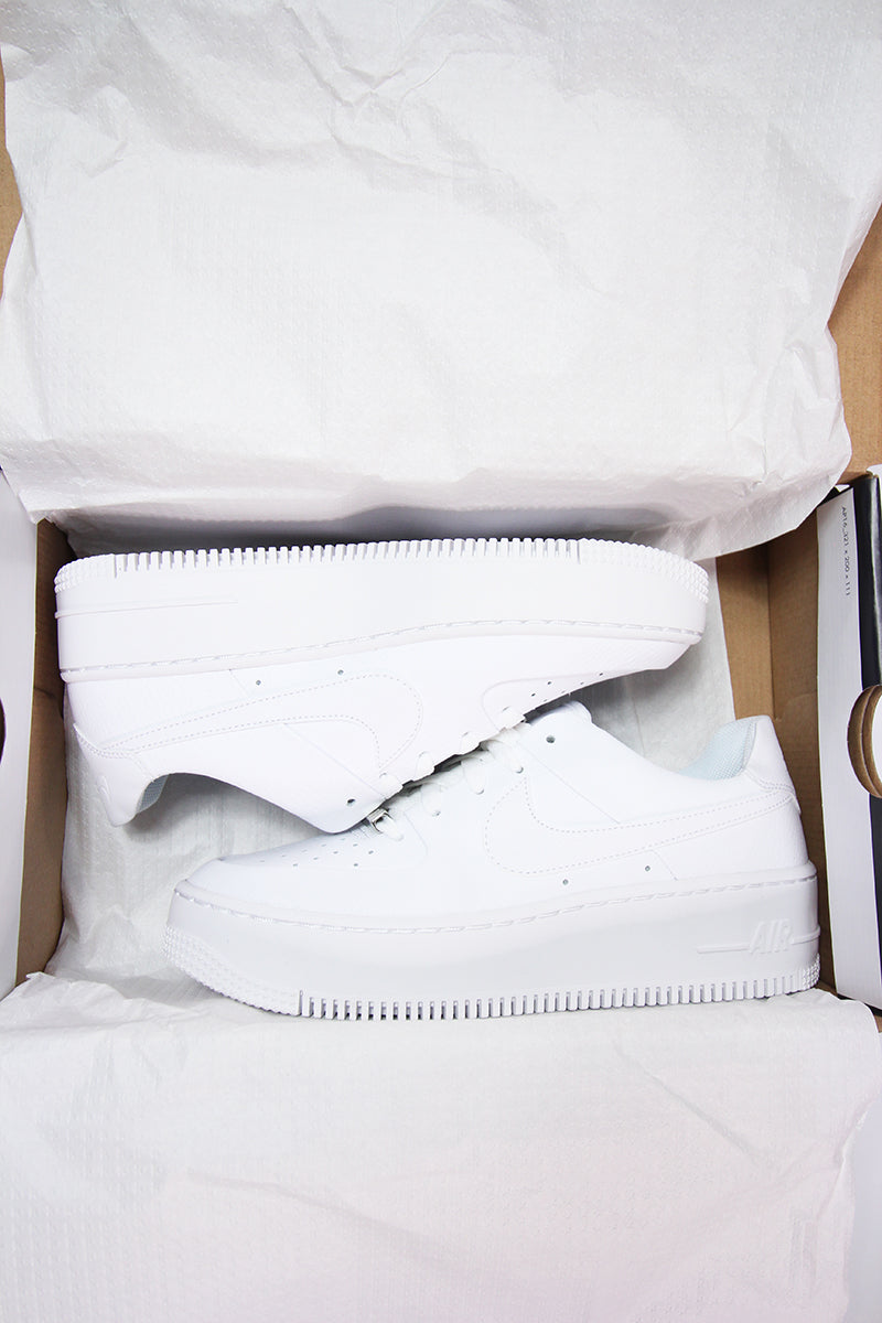 Nike - Air Force 1 Sage Low Sneaker komplett in Weiß - AR5339-100