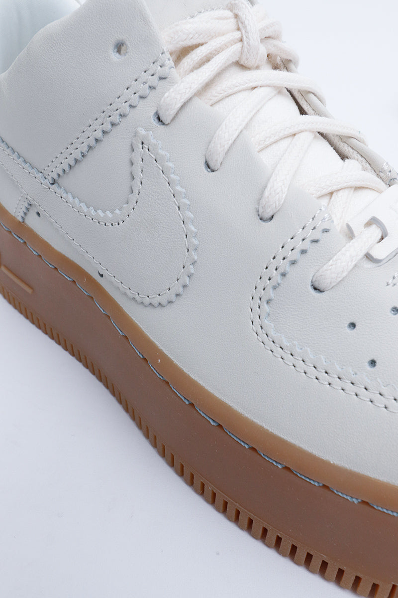 Nike - Air Force 1 Sage Low LX (pale ivory/pale ivory-gum light brown) AR5409-100