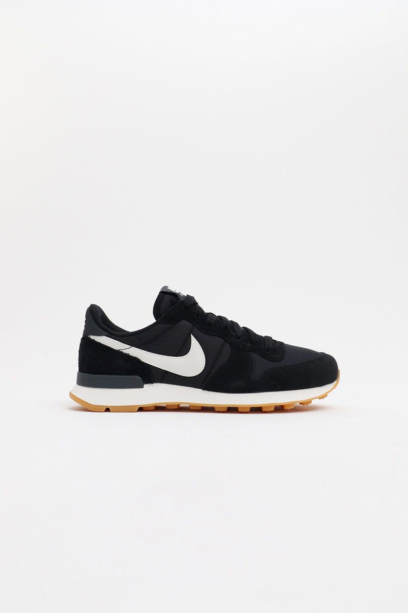 Nike -  Internationalist Womens (Black/ Summit White- Anthracite-Sail) 828407-021