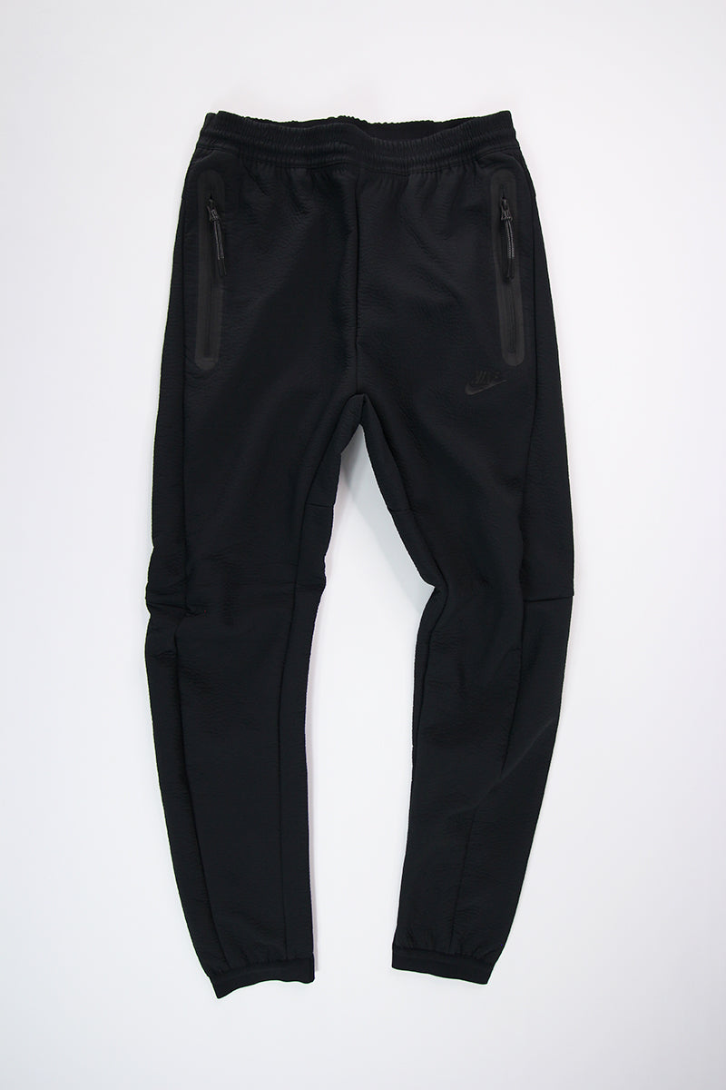Nike - Pant NSW Tech Pack  (Black/Black) 928573-010