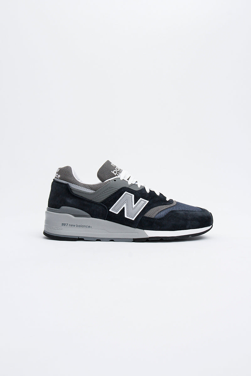 New Balance - M997NV Navy-farbener Herren Sneaker aus hochwertigen Materialien, made in USA