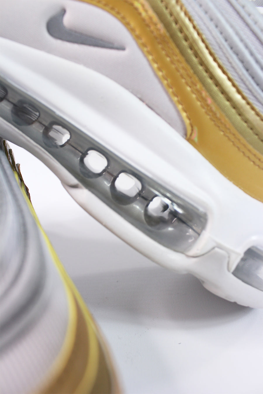 Nike - Air Max 97 Sneaker Special Edition für Damen in Gold AQ4137-001
