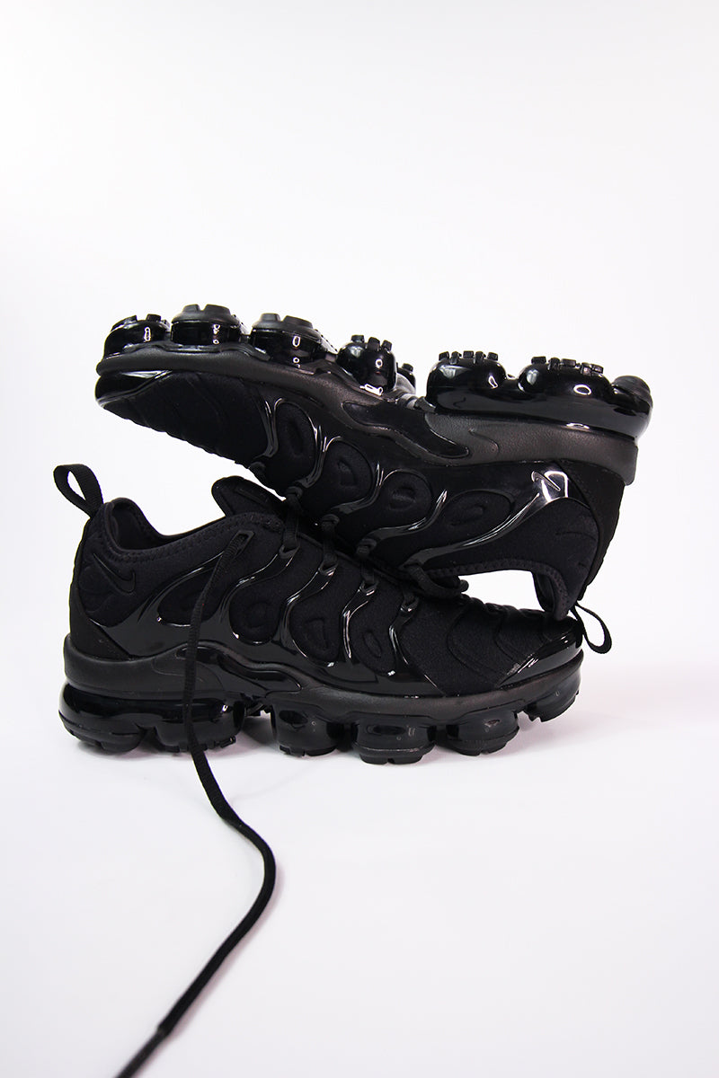 Nike - Air VaporMax Plus (black/black-dark grey) 924453-004