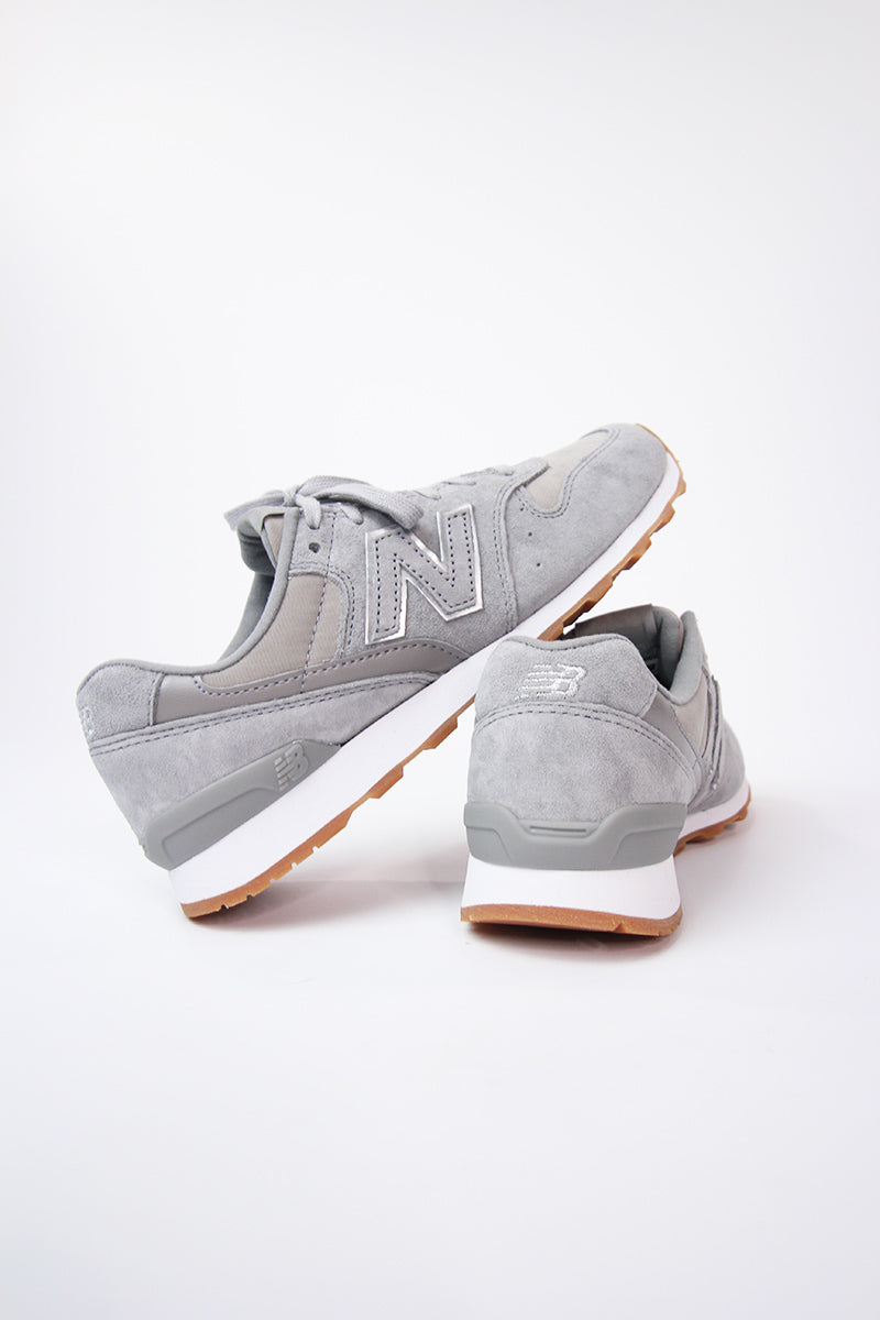 New Balance -  WR996NEC Women (Grey/ Silver)