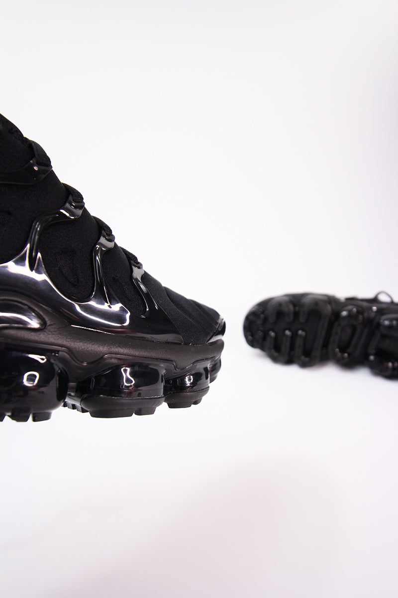 Nike - Air VaporMax Plus - Schwarz - 924453-004