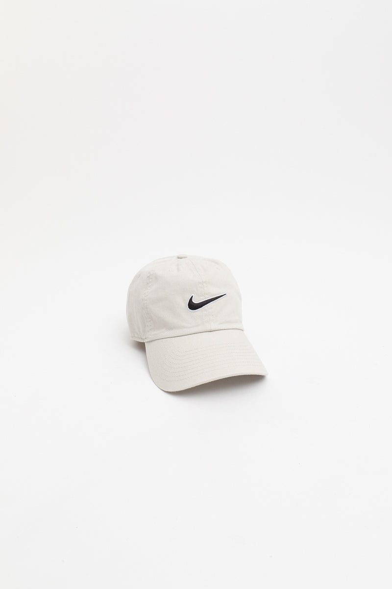 Nike - Unisex  Sportswear Essentials Heritage86 Cap (Light Bone/ Black) 943091-072