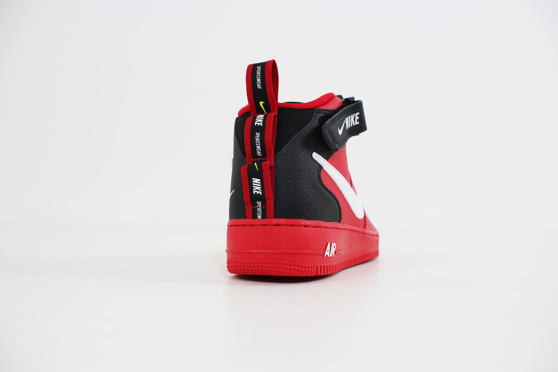 Nike Air Force 1 07 Mid Lv8 Utility Pack Red