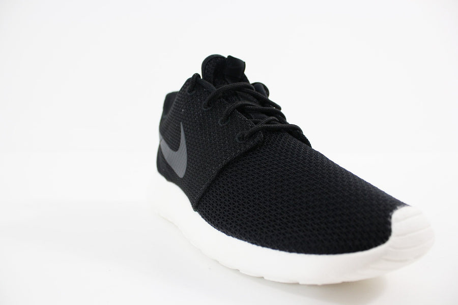 Nike - Nike Roshe One Herrenschuh (BLACK / ANTHRACITE-SAIL) 511881-010