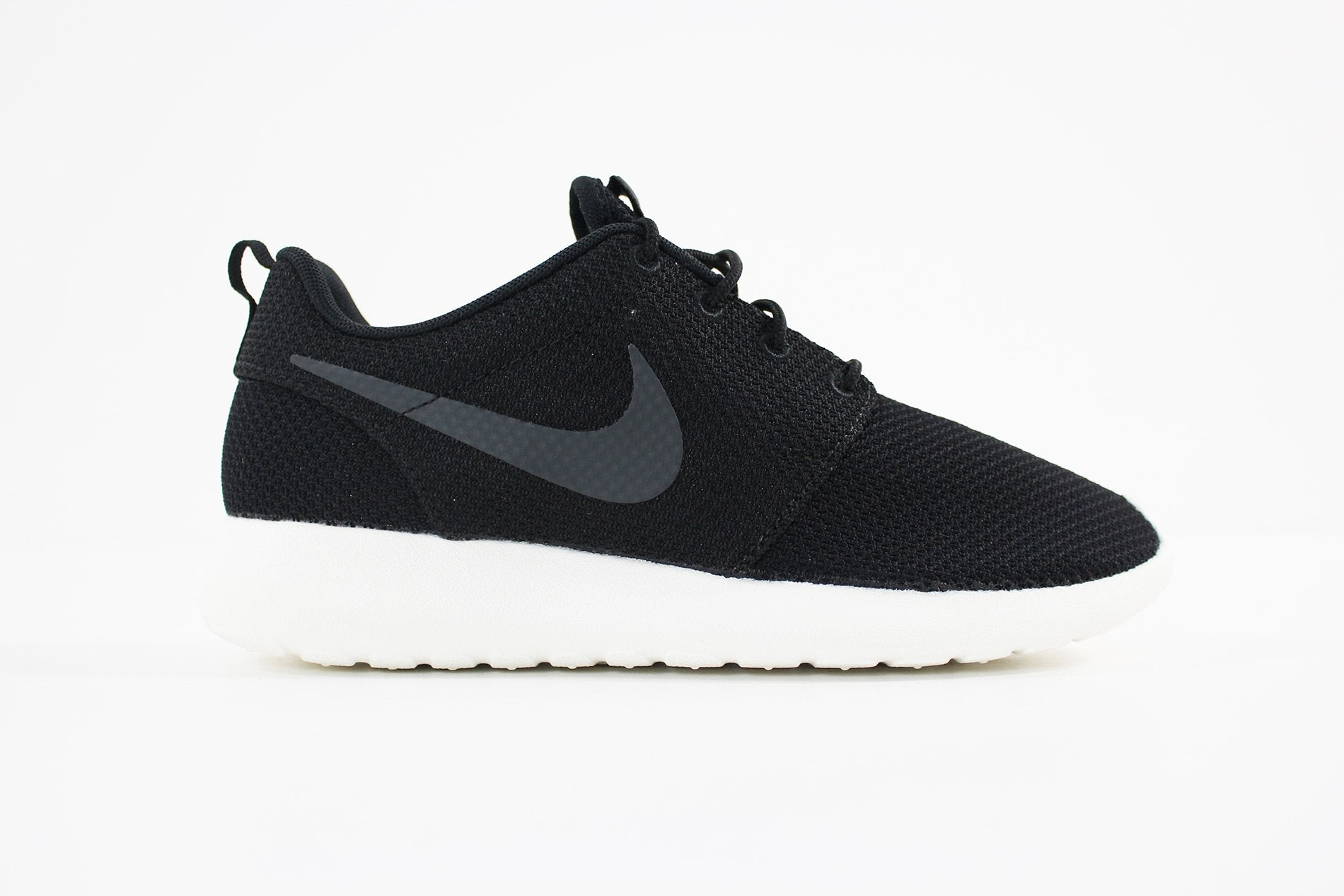 Nike - Men's Nike Roshe One Shoe (BLACK/ANTHRACITE-SAIL) 511881-010