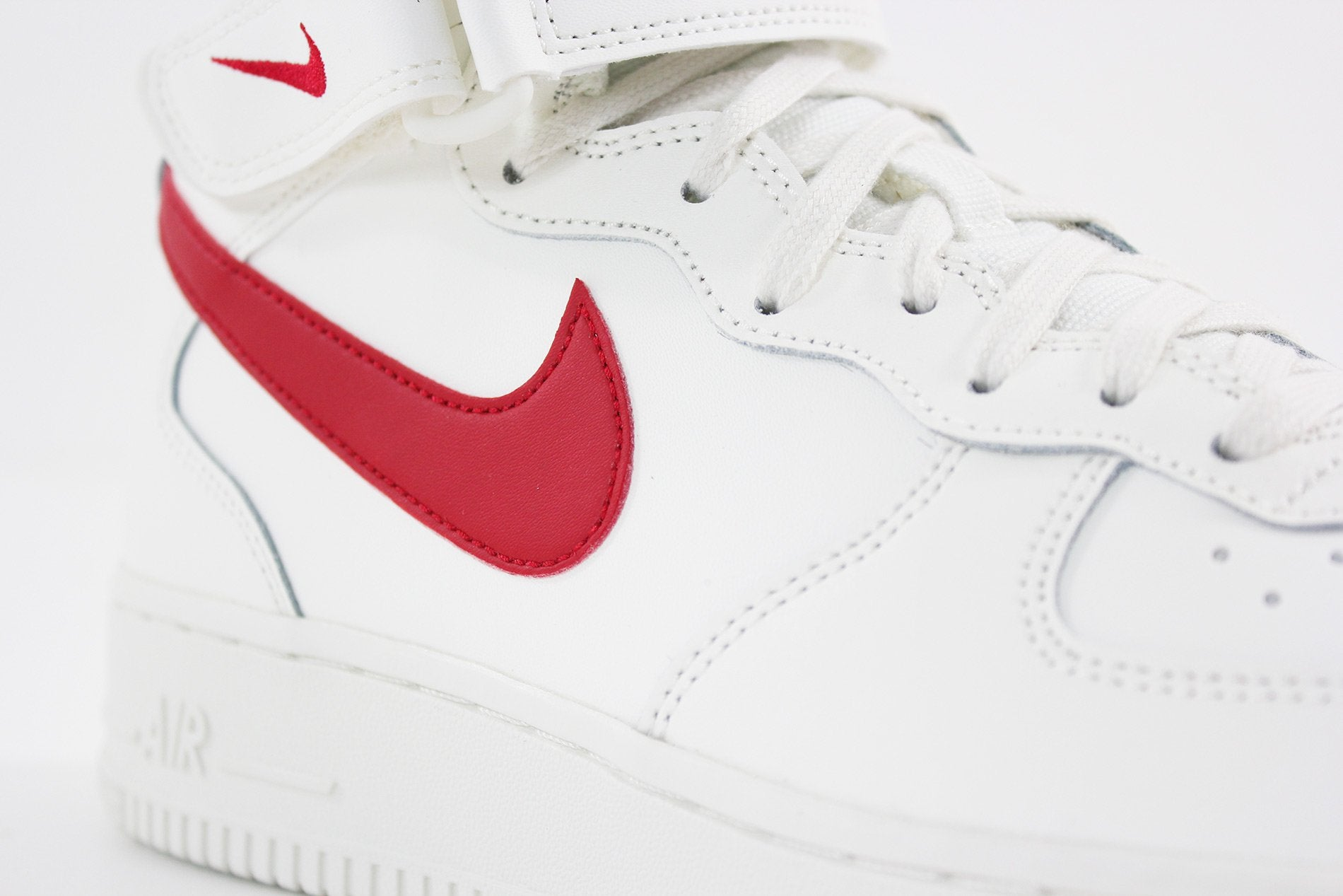 Desviarse Venta ambulante sufrir  Nike - Air Force 1 Mid 07 (SAIL/UNIVERSITY RED) 315123-126 – Sneakerworld