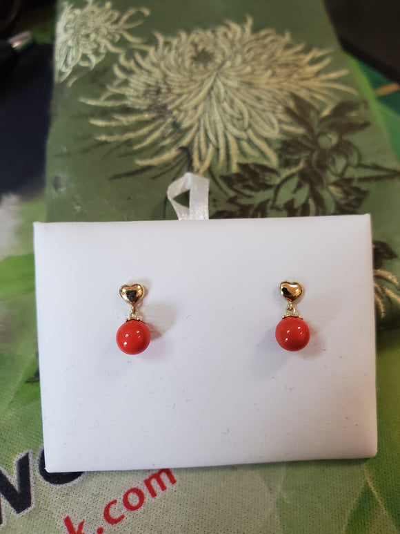14 KT Children's Heart 4mm. coral bead Screw Back Earrings