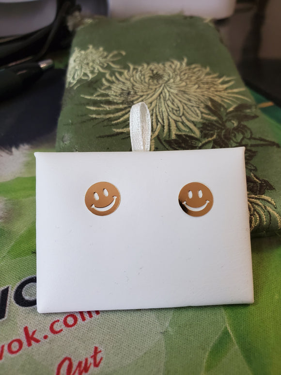 14 KT Big kid smiley face stud earrings