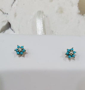 14 KT Children's Turquoise Prong flower screw back earrings