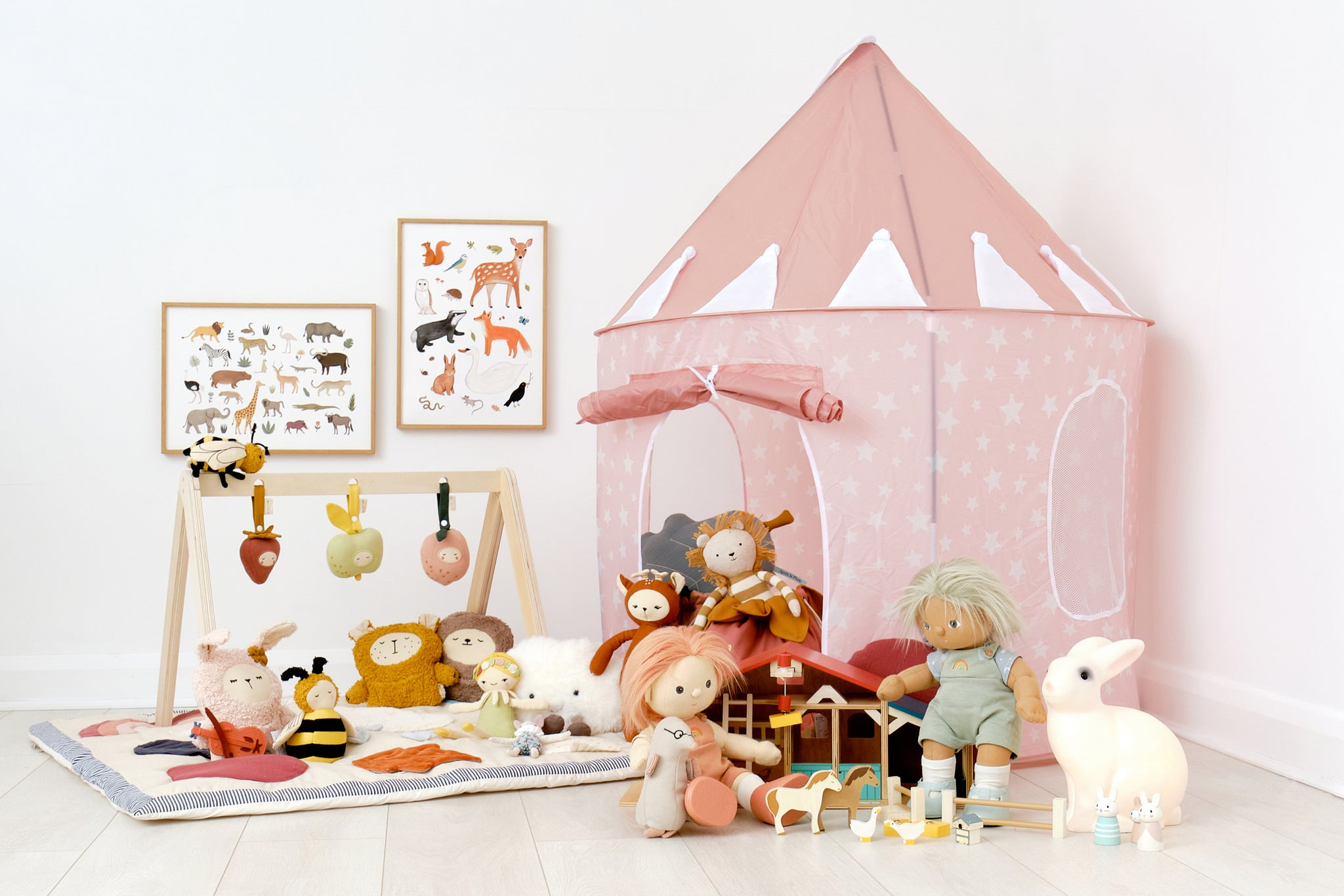 Bunnies and Bumblebees Bedtime Story and Nursery Playroom, by Bobby Rabbit.