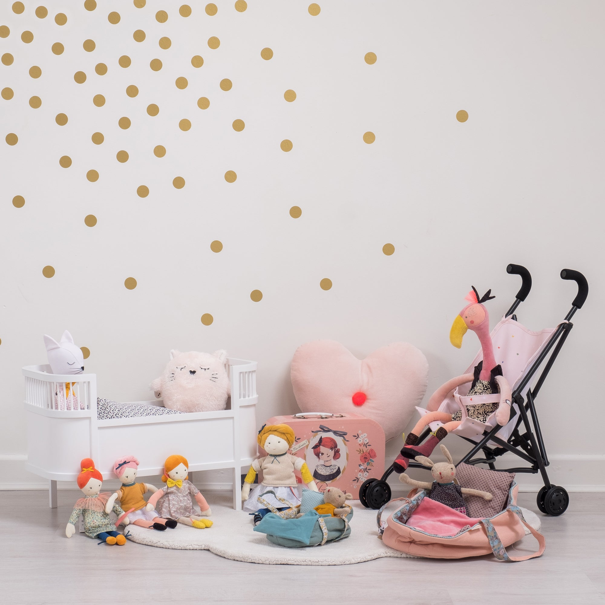 Toys and children's room accessories, available at Bobby Rabbit.