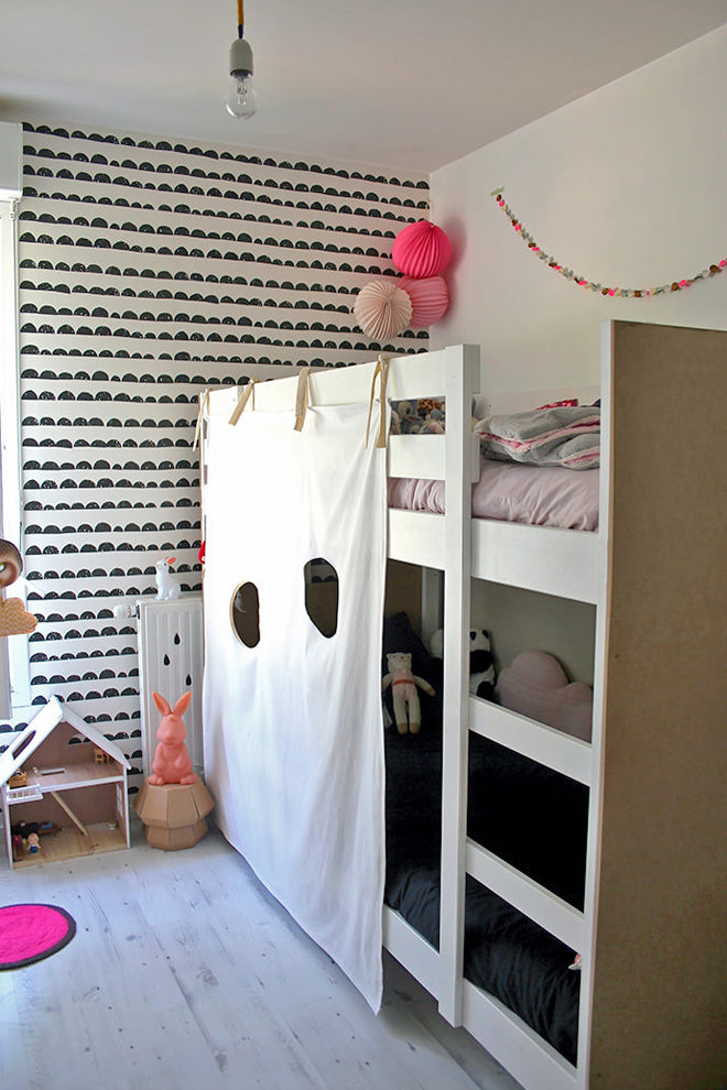 DIY Bunk Bed Fort (image sourced on Handmade Charlotte), published by Bobby Rabbit