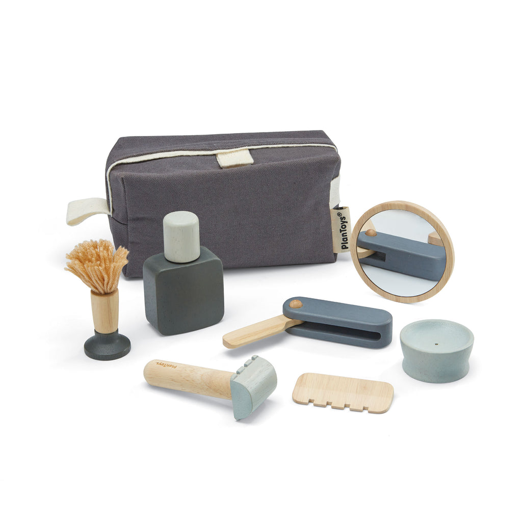 Shaving Kit by Plantoys, available at Bobby Rabbit. Free UK Delivery over £75