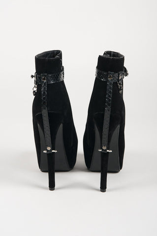 Custom Heel Restraints