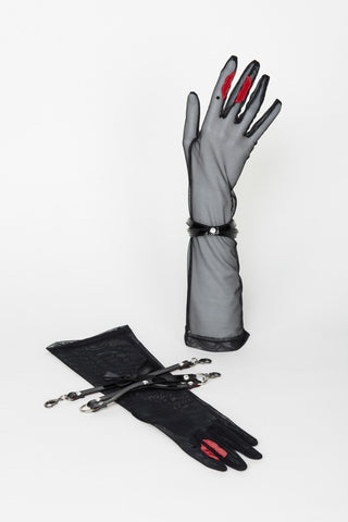 Kiss Gloves