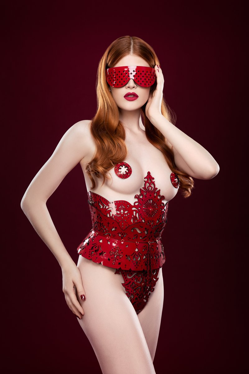 Rosso Underbust Harness