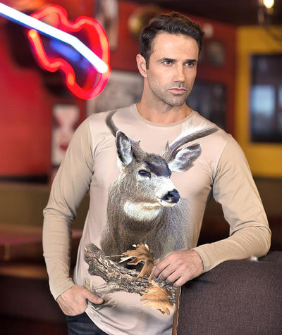 Man wearing t-shirt with Mule Deer on it