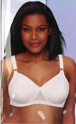 New Playtex Wirefree Smooth Under Clothes Bra Style Number 5645 in White