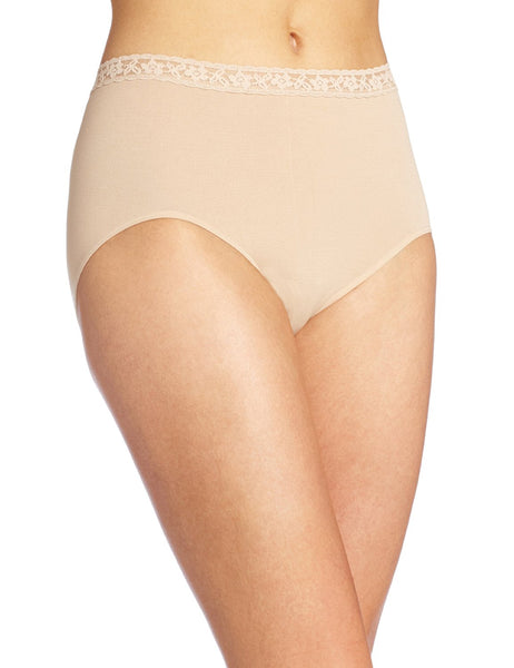Bali Women's Comfort Revolution Seamless Lace Brief Panty
