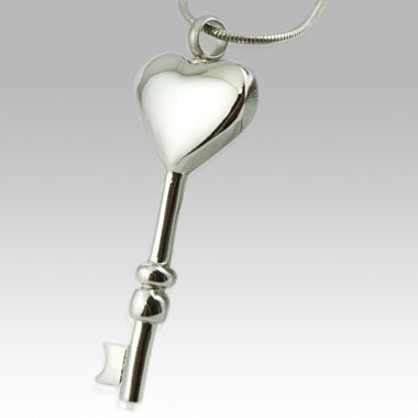 Key To My Heart Pendant- IUPN121
