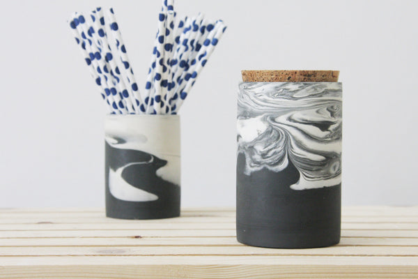 MAXWELL- Ceramic jar in black and white marbled pattern