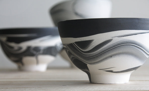 ISLA - Ceramic bowl in black & white with marbled look
