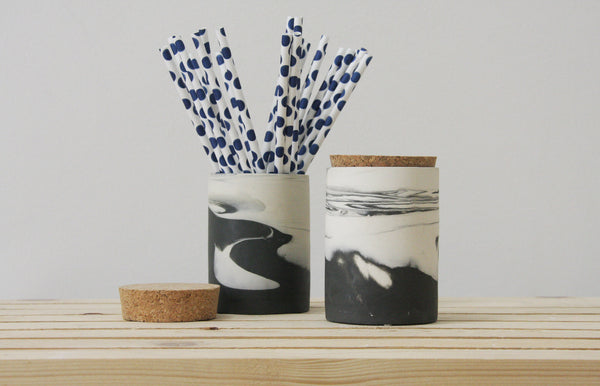 MAX- Ceramic jar in black and white marbled pattern