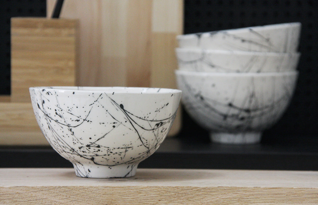LILI- Ceramic bowl in white and black lines pattern