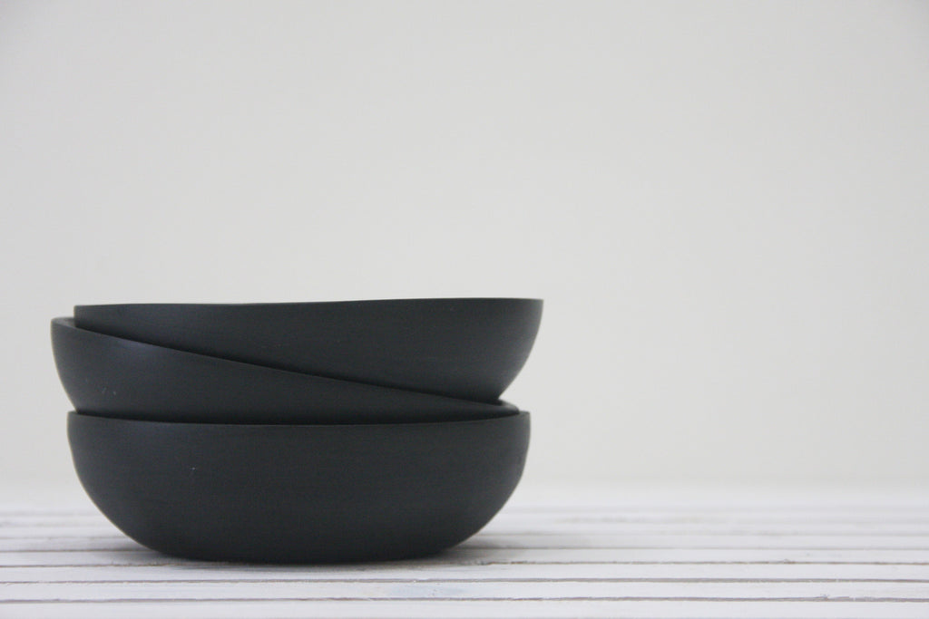Sam- Ceramic plate in black