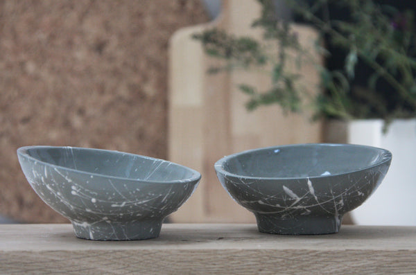AYA- Ceramic planter in gray and white lines pattern