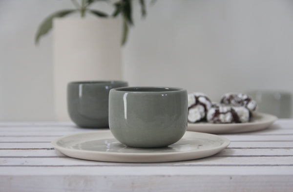 EMMA - Ceramic espresso cup in gray and glossy glaze- Short
