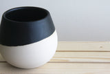 THELMA - Ceramic bowl in white with black matte glaze