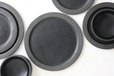 Elli dinnerware set- Ceramic plate set in black