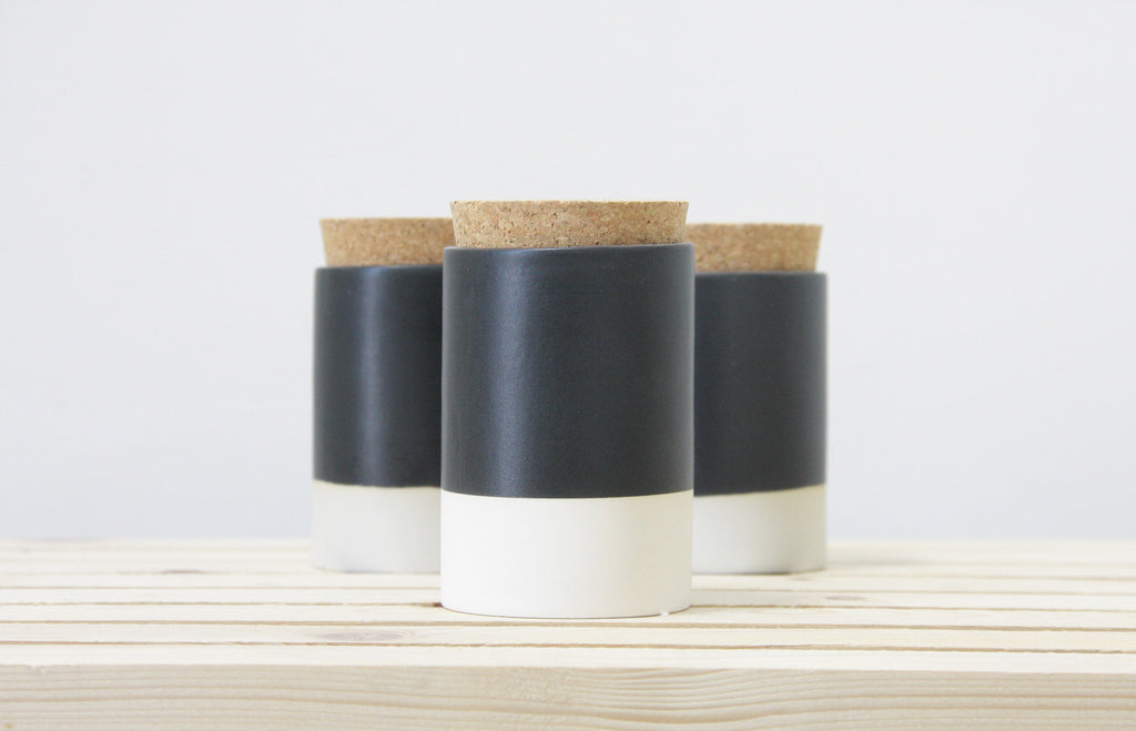 MAX - Gray and white ceramic jar with a cork lid.