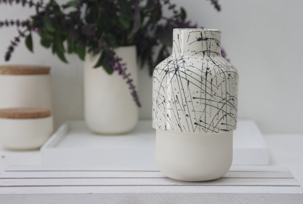 Ceramic bud vase- Black lines pattern