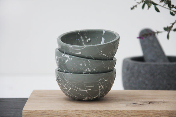 TRIO- 3 ceramic dipping bowls in gray and white lines