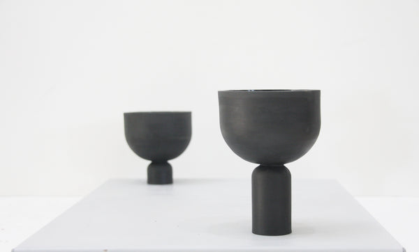 Mia-  Modern ceramic planter in black- Tall