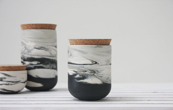 Medium jar- Ceramic jar in different marble colors.