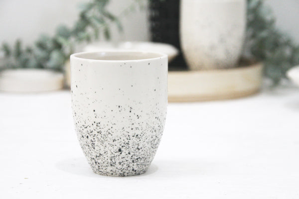 ORI -Ceramic cappuccino cup in white and black dots pattern