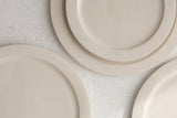 Elli- Ceramic medium size plate in white