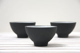 Ella - Ceramic bowl in black hand-carved pattern